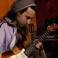 Guitarrista, compositor y arreglador. Clases de guitarra en Capital Federal y GBA.